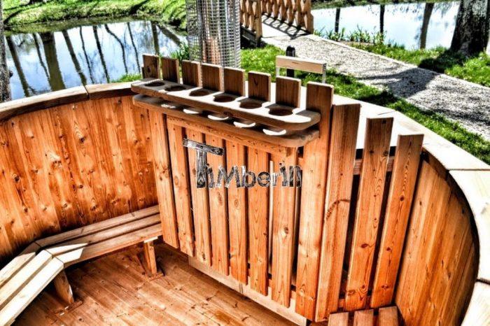 badestamp i tre med innvendig ovn