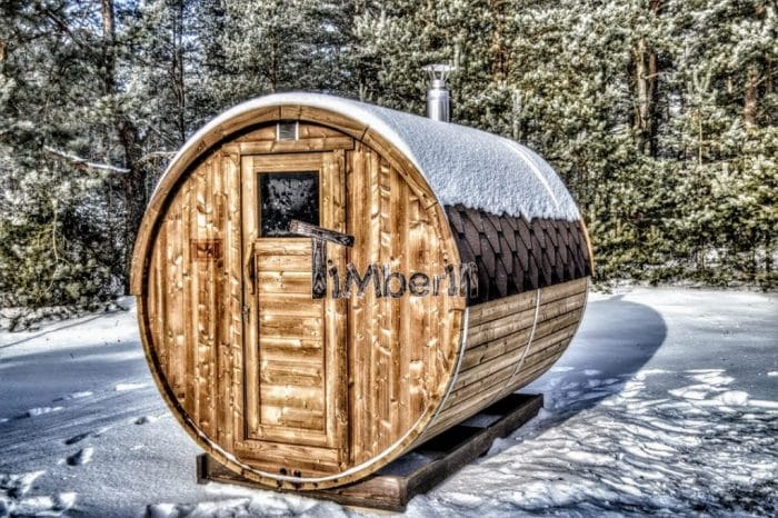 Utendørs fat sauna i vinter